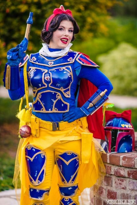 Cosplay de Blancanieves combinado con Star Wars