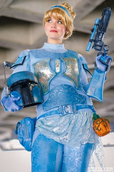 Cosplay de Cenicienta combinado con Star Wars