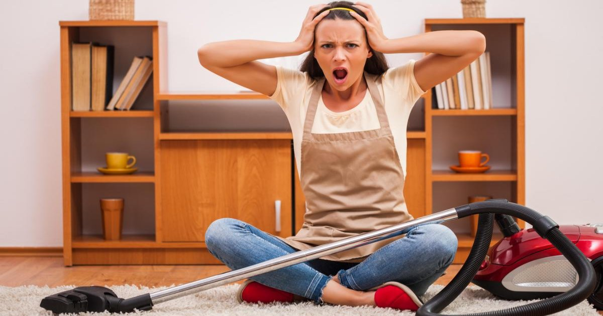 featured image 25.png?resize=412,232 - Nurse Warned Women Against 'Vacuuming' To End Their Periods Early
