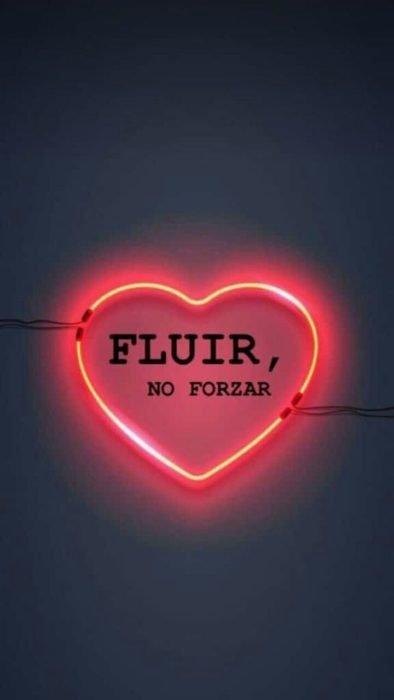 Fondo de pantalla de frases para celular; wallpaper de cartel de luz neón en forma de corazón