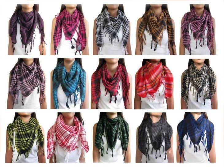 bufandas de colores y cuadros