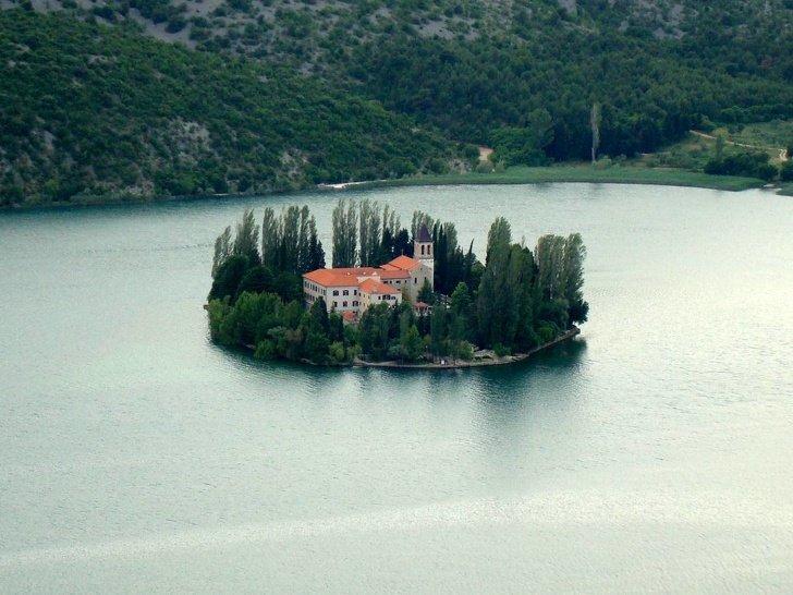 8Pequeñas islas endonde nadie temolestará