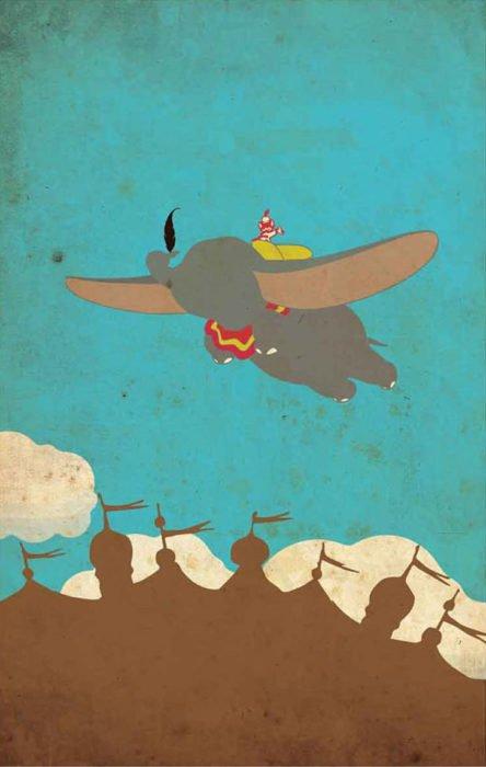"""Poster con toques vintage de la película clásica de Disney """"Dumbo"""". Personaje volando con sus orejas grandes"""