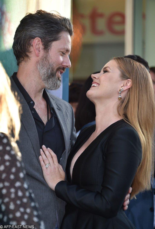 15 Secretos revelados para una relación larga, según las parejas de Hollywood más duraderas