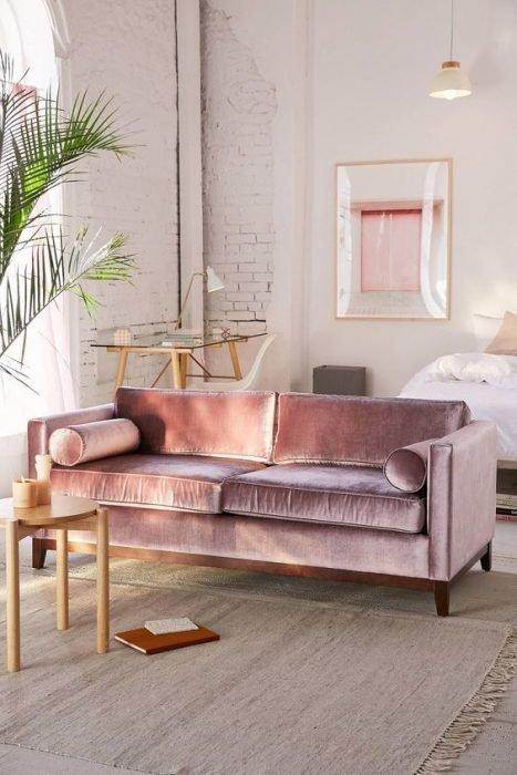 sofá rosa millenial