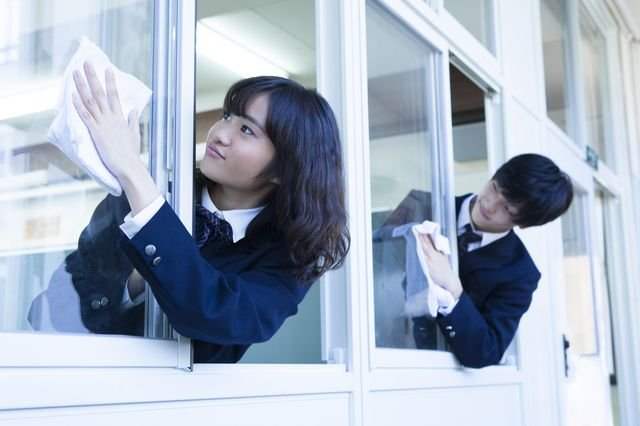Image result for SHOULD CHILDREN CLEAN THEIR OWN SCHOOLS? JAPAN THINKS SO