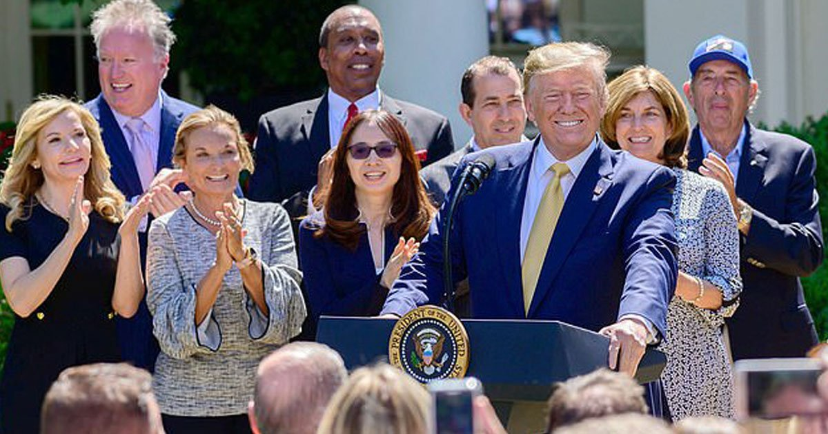 trump birthday.jpg?resize=412,232 - Donald Trump Was All Smiles When The White House Crowd Sang Happy Birthday To Him On His 73rd Birthday