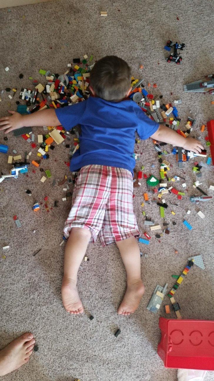 Según la ciencia, vivir en el desorden hace que tu hijo se desarrolle mucho mejor