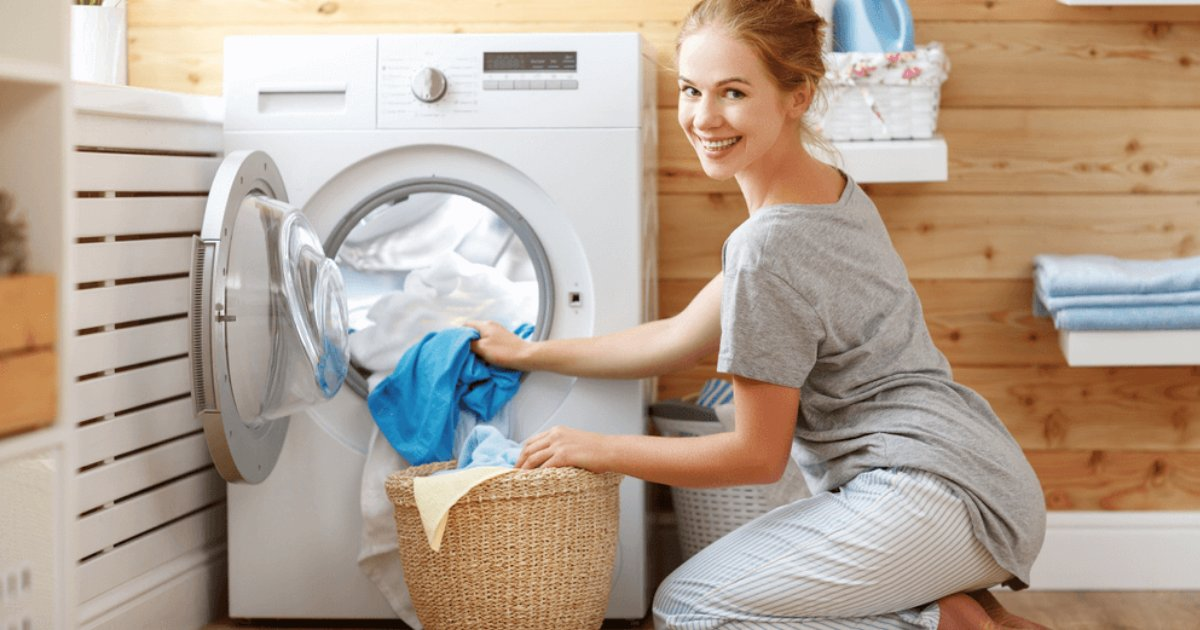 y1 2.png?resize=412,232 - Où doit aller la machine à laver? Dans la salle de bain ou dans la cuisine? Un nouveau débat sur les médias sociaux