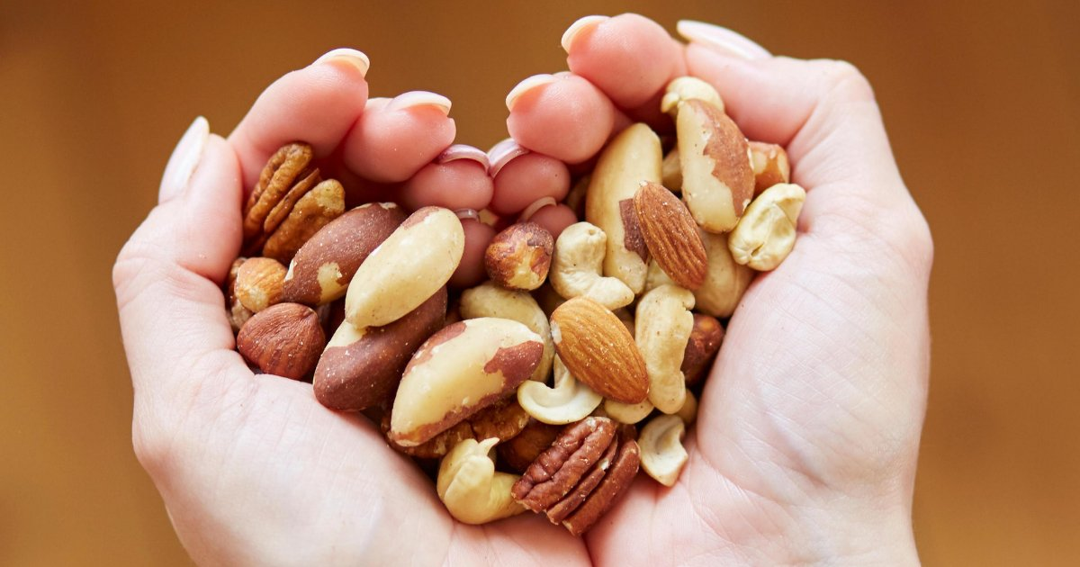 y2 7.png?resize=1200,630 - If You Eat A Handful of Nuts Every Day, You Will See Amazing Benefits