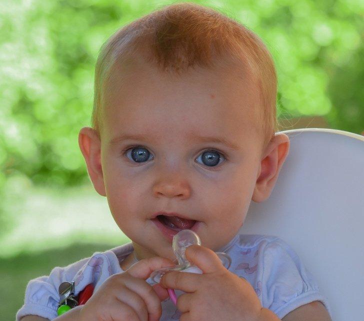 7 Mitos e uma verdade sobre o uso da chupeta que todos os pais deveriam conhecer