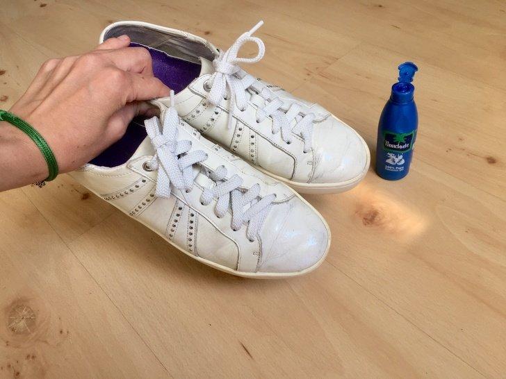 Intenté 7 trucos populares para restaurar mis zapatos y aquí están los resultados