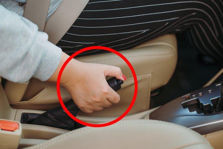 9Cosas que nodeberías hacerle aunautomóvil con transmisión automática