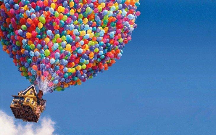 Escena donde va volando la casa de Up colgado de globos