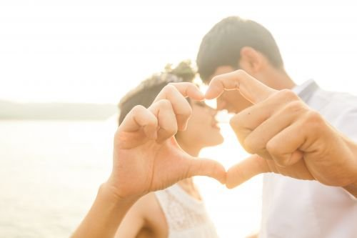 Resultado de imagen de pareja diciendo te amo