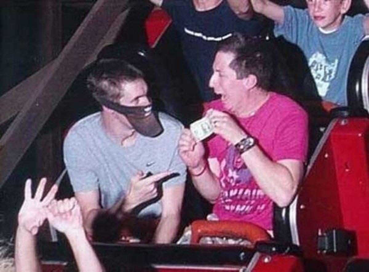 funny roller coaster photos robbery