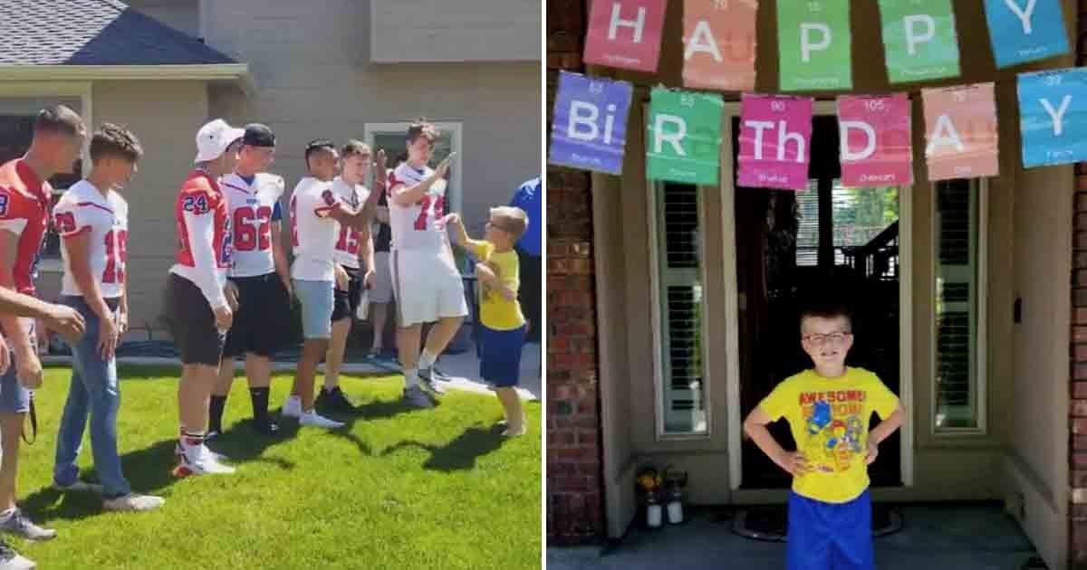 a 22.jpg?resize=412,232 - L'équipe de football d'un lycée a surpris un garçon autiste à sa fête d'anniversaire après qu'un seul ami ait répondu présent