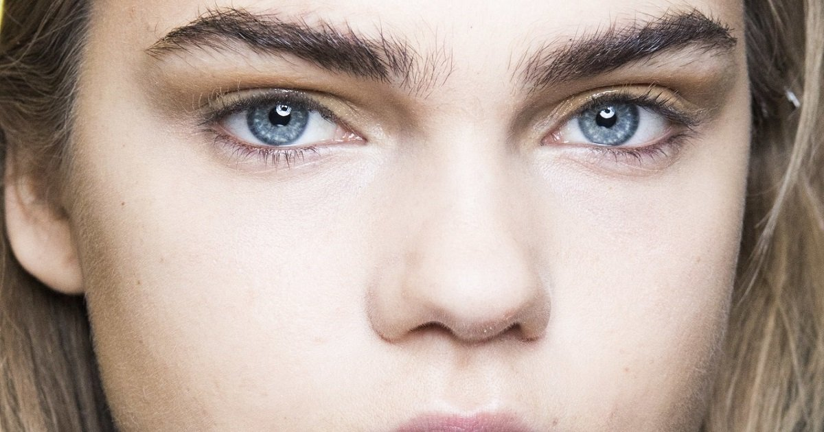 b3 6.jpg?resize=412,232 - Beauty Experts Shared 5 Tips On How To Grow Out Over-Plucked Eyebrows