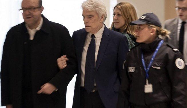 bernard tapis.jpg?resize=1200,630 - Bernard Tapie sort indemne de l'affaire du Crédit Lyonnais: il n'ira pas en prison