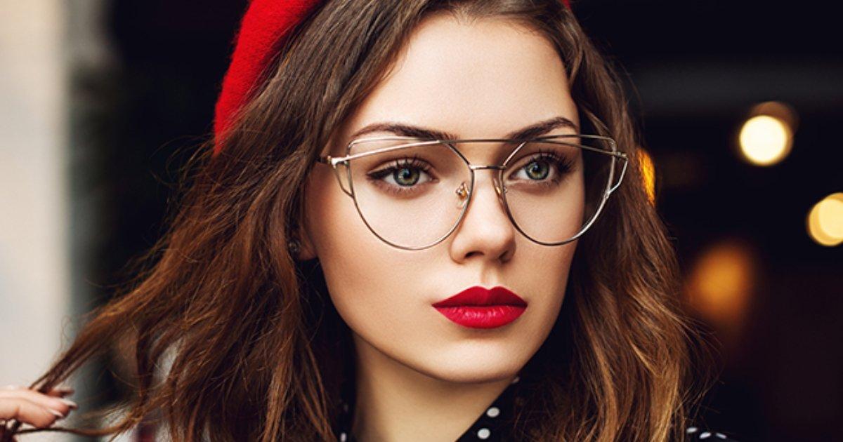 e18489e185a2 e18491e185b3e18485e185a9e1848ce185a6e186a8e18490e185b3 4.jpg?resize=412,275 - 9 Trucos de maquillaje que te harán lucir radiante si usas lentes