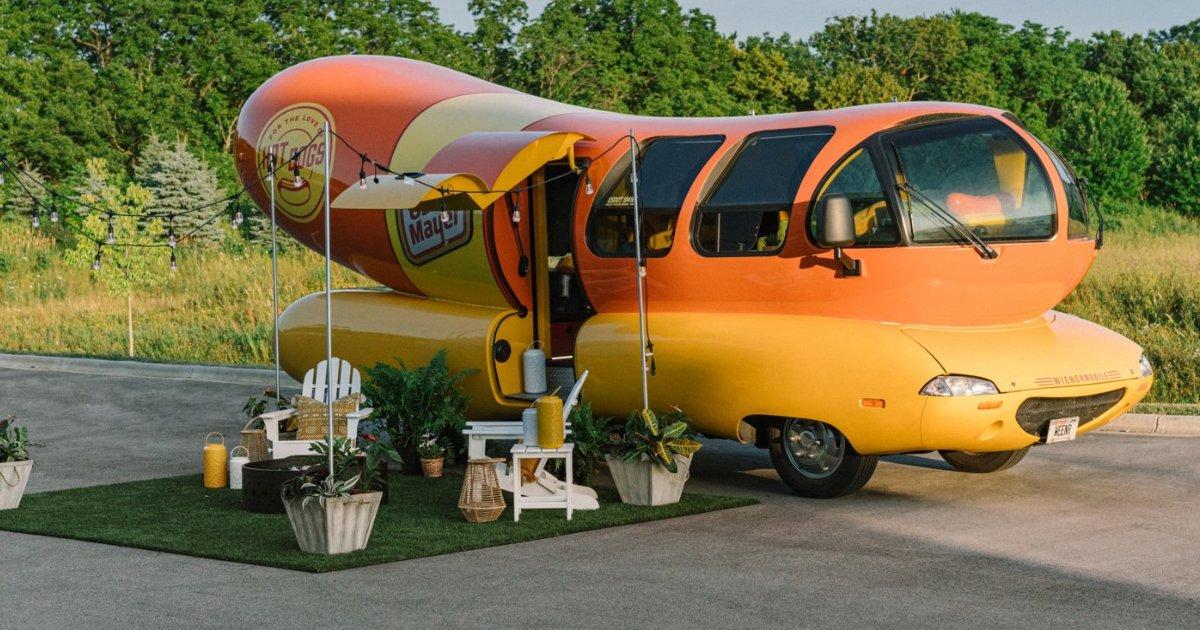 featured image 62.png?resize=412,232 - vous pouvez désormais louer un hot-dog géant pour y passer vos vacances !