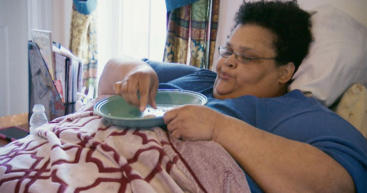 morbidly obese woman was bedbound for three years started walking again on her own.jpg?resize=412,232 - Morbidly Obese Woman Who Was Bed-bound For Three Years Started Walking On Her Own Again After Losing 600 Pounds