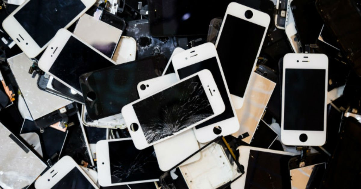 "n smartphone stack 628x314.jpg?resize=300,169 - ""앞으로 휴대전화 번호 앞자리 '020' 된다"""