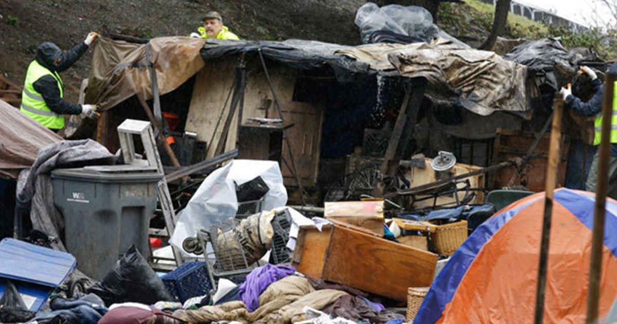 seattle is trying to clean up the city by dismantling homeless encampments.jpg?resize=1200,630 - Seattle Is Trying To Clean Up The City By Dismantling Homeless Encampments