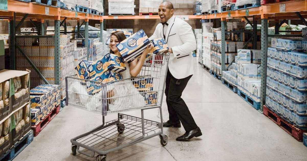untitled 1 100.jpg?resize=412,232 - A Couple Took Their Wedding Photoshoot At Costco, In The Exact Aisle Where They First Met