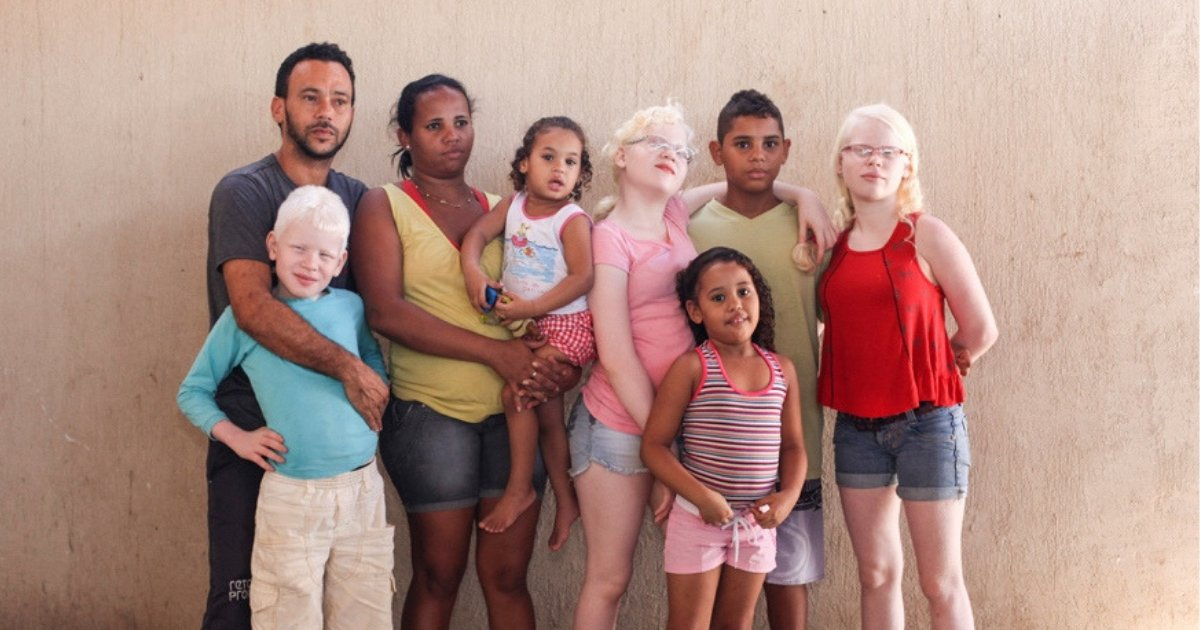 untitled design 16.png?resize=1200,630 - Latino Family Stands Out From The Crowd Because Three Children Are Totally White
