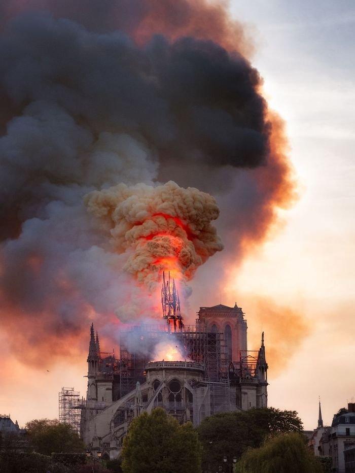 La Flèche De Notre Dame, Florent Serfati, Cities