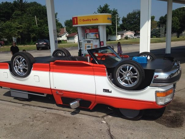 Saw This Car Filling Up At A Gas Station In Illinois And Did A Double-Take. The Top Tires Spin Too!