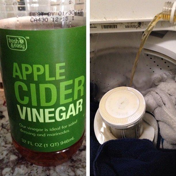 vinagre de manzana en lavadora con toallas