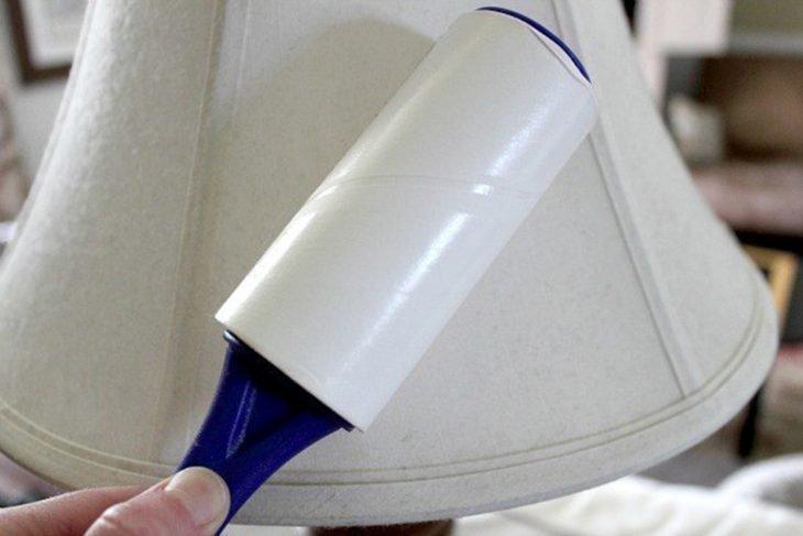 Limpiador de pelusas usado para limpiar las pantallas de las lámparas