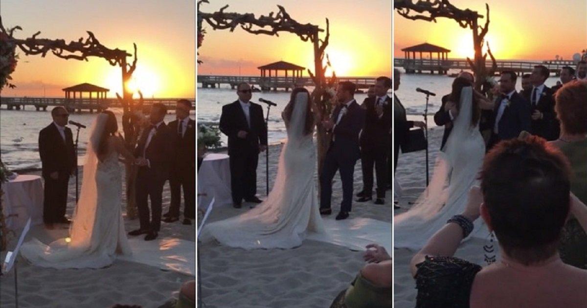 a4 22.jpg?resize=300,169 - Tout le monde était en larmes au mariage lorsque le frère autiste de la mariée a chanté pour le couple