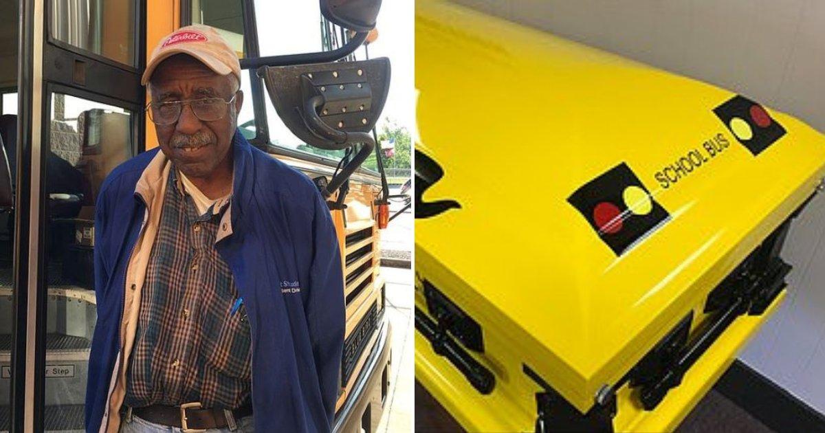 bus7.png?resize=412,232 - Un chauffeur de bus légendaire dans sa ville est enterré dans un cercueil en forme de bus scolaire