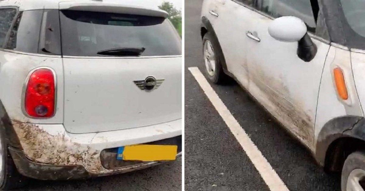 d3 7.jpg?resize=412,232 - La voiture d'un homme s'est retrouvée coincée dans un fossé après avoir suivi les instructions du GPS intégré