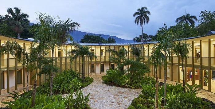 ea amb france haiti michel denance 77 5cececa97615b  700 e1566488737966.jpg?resize=412,275 - 30 Beautiful Embassies Buildings Around The World