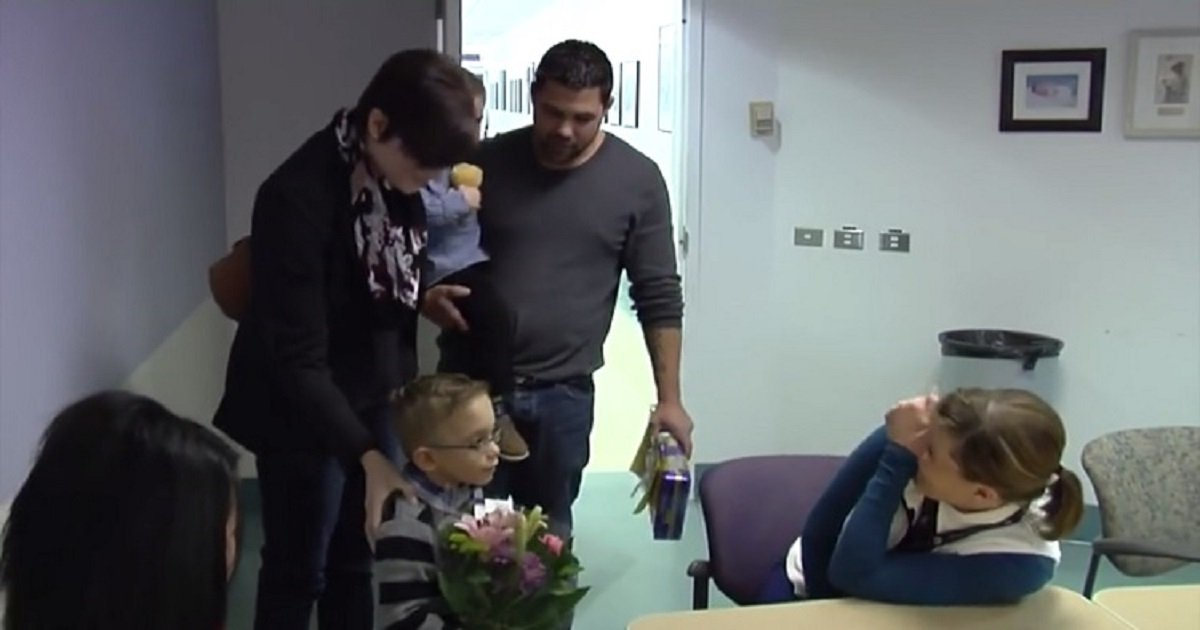 n3.jpg?resize=412,232 - 4-Year-Old Boy Reunited With The NICU Nurse Who Helped Save His Life