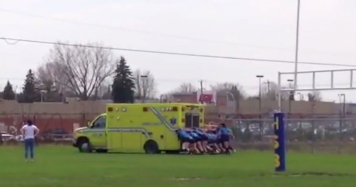 rugby girls pushed ambulance.jpg?resize=412,232 - Rugby Team Pushed Ambulance Carrying Injured Teammate After It Got Stuck In Mud
