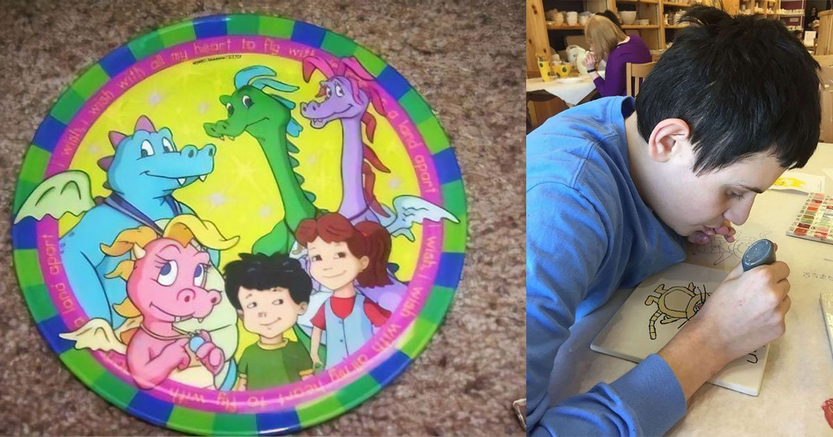 sister accidentally broke her autistic brothers favorite plate and asked people on internet for the same piece.jpg?resize=1200,630 - Sister Accidentally Broke Her Brother's Favorite Plate And Asked People On The Internet For Help