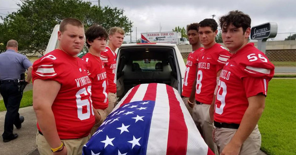 teens carried veterans casket at his funeral as the deceased had no male relatives.jpg?resize=412,232 - Teens Carried The Veteran's Casket At His Funeral As The Deceased Had No Male Relatives