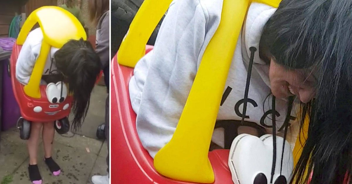 woman stuck toy car.jpg?resize=300,169 - 34-Year-Old Woman Got Stuck In A Children's Toy Car For An Hour