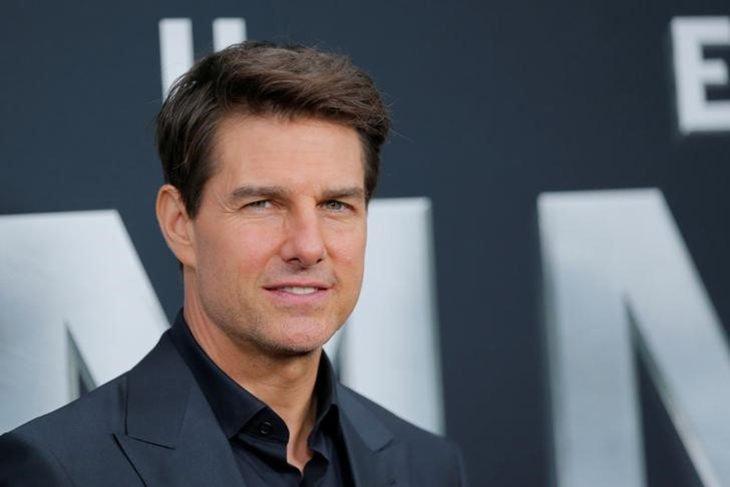 Las raras exigencias de los famosos; Tom Cruise con traje gris