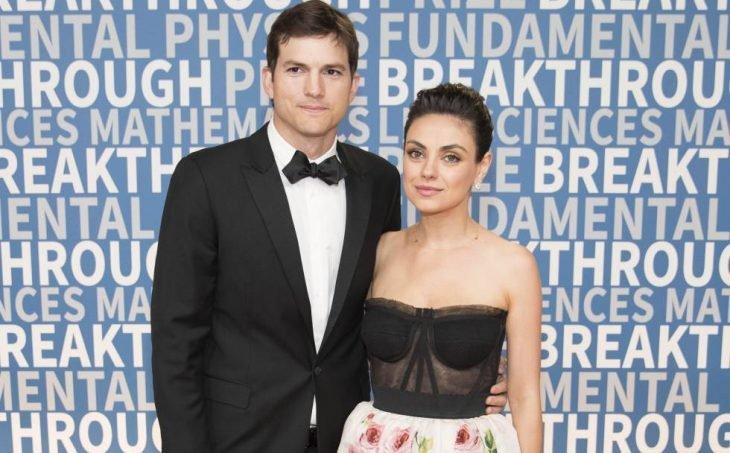 Mila Kunis y Ashton Kutcher juntos en premios