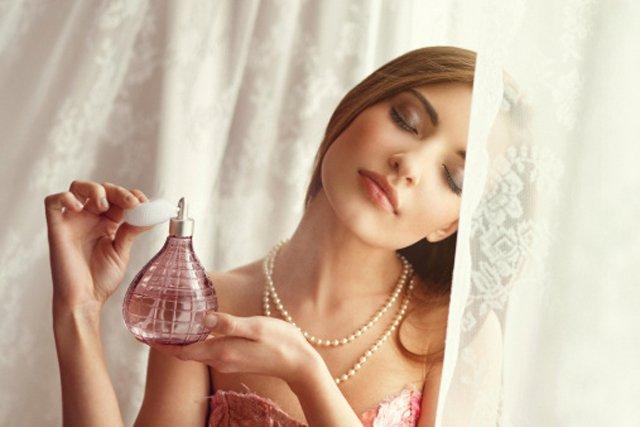 Resultado de imagen de perfumarse