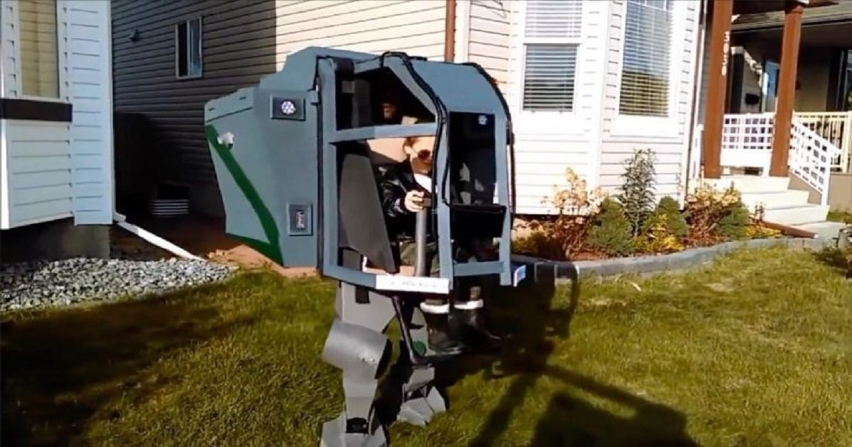 b3 10.jpg?resize=1200,630 - Awesome Dad Created An Epic Battlesuit Cosplay Costume For His Daughters