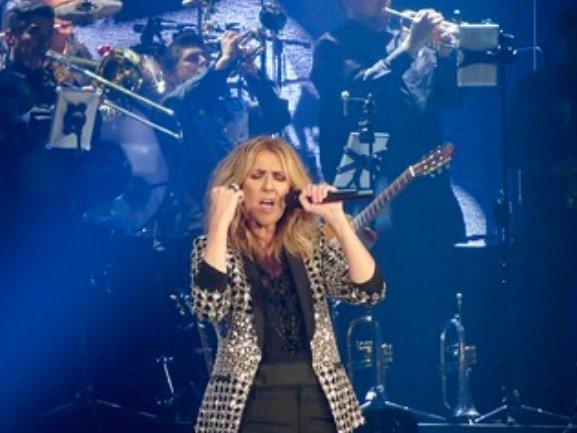 celine dion.jpg?resize=300,169 - Céline Dion de retour en France pour concert exceptionnel en juillet 2020