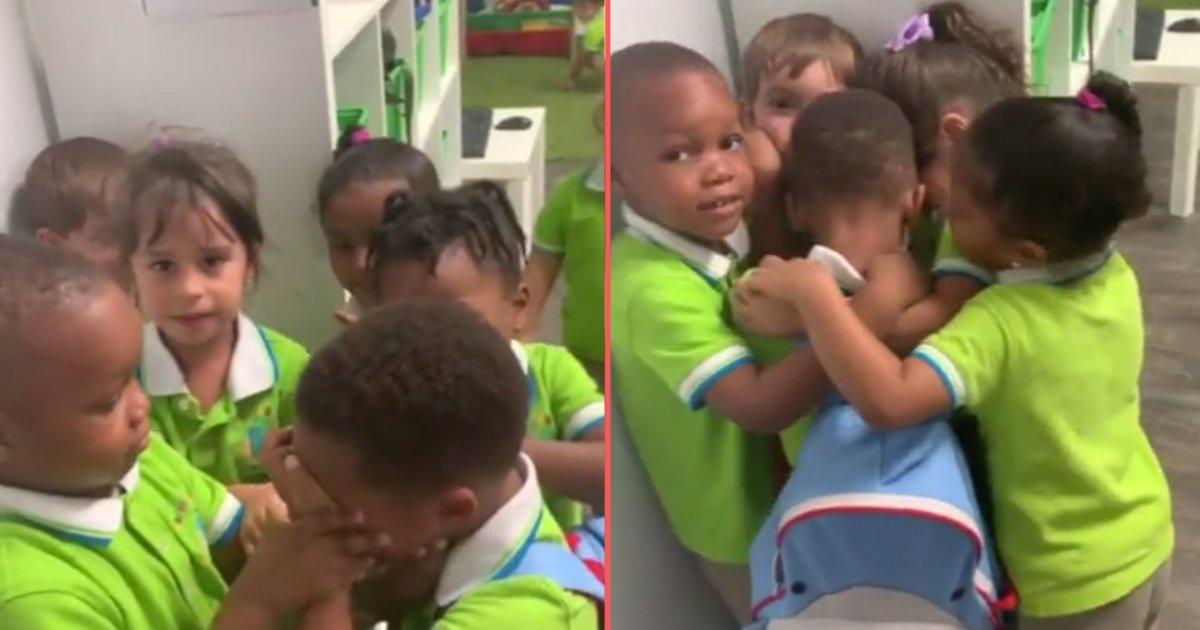 d 6 2.png?resize=412,232 - Vidéo touchante d'enfants accueillant leur ami après l'ouragan Dorian