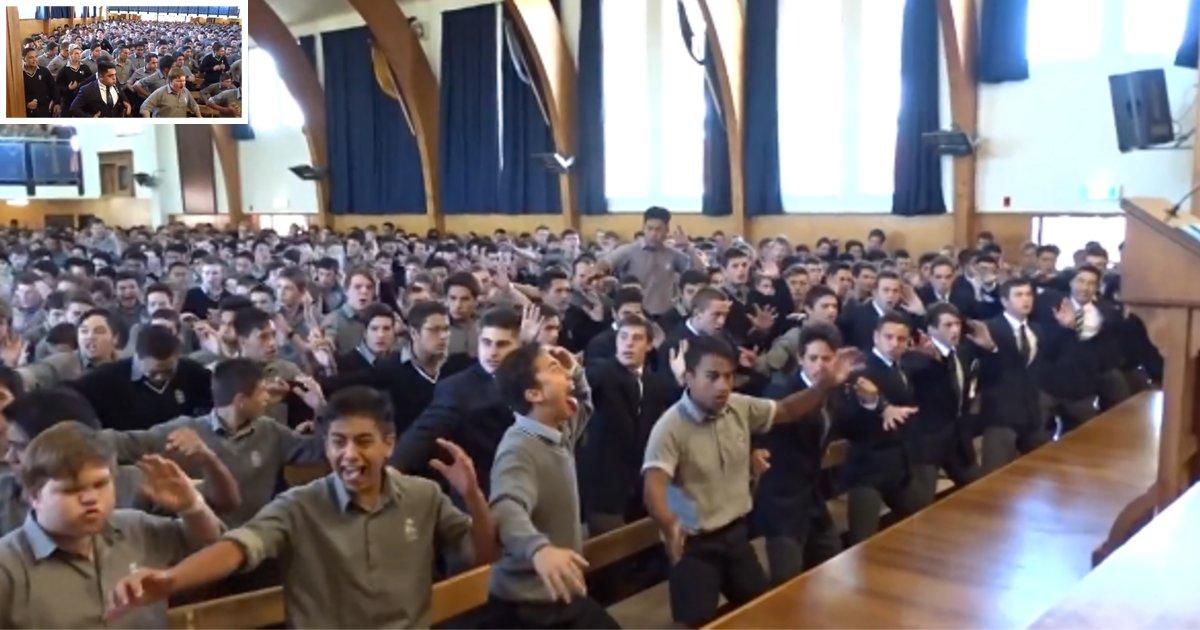 """d3 8.png?resize=412,232 - Les élèves font un """"haka"""" dans un superbe hommage pour le conseiller d'orientation du lycée"""